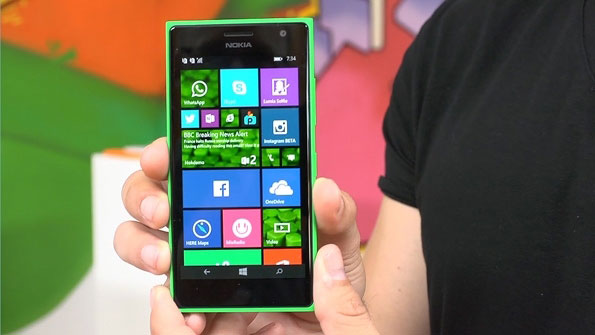 Nokia Lumia 735 available in green and black